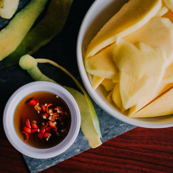 how to make vietnamese green mango with sweet fish sauce