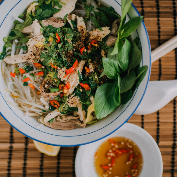 how to make vietnamese chicken pho