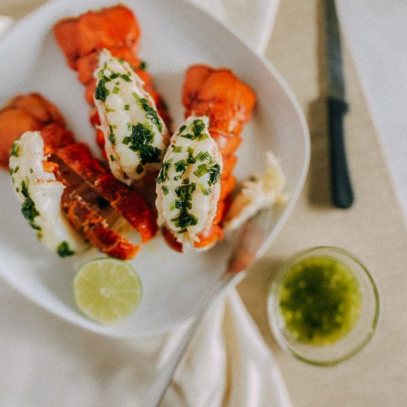 how to make baked lobster tail with onion butter